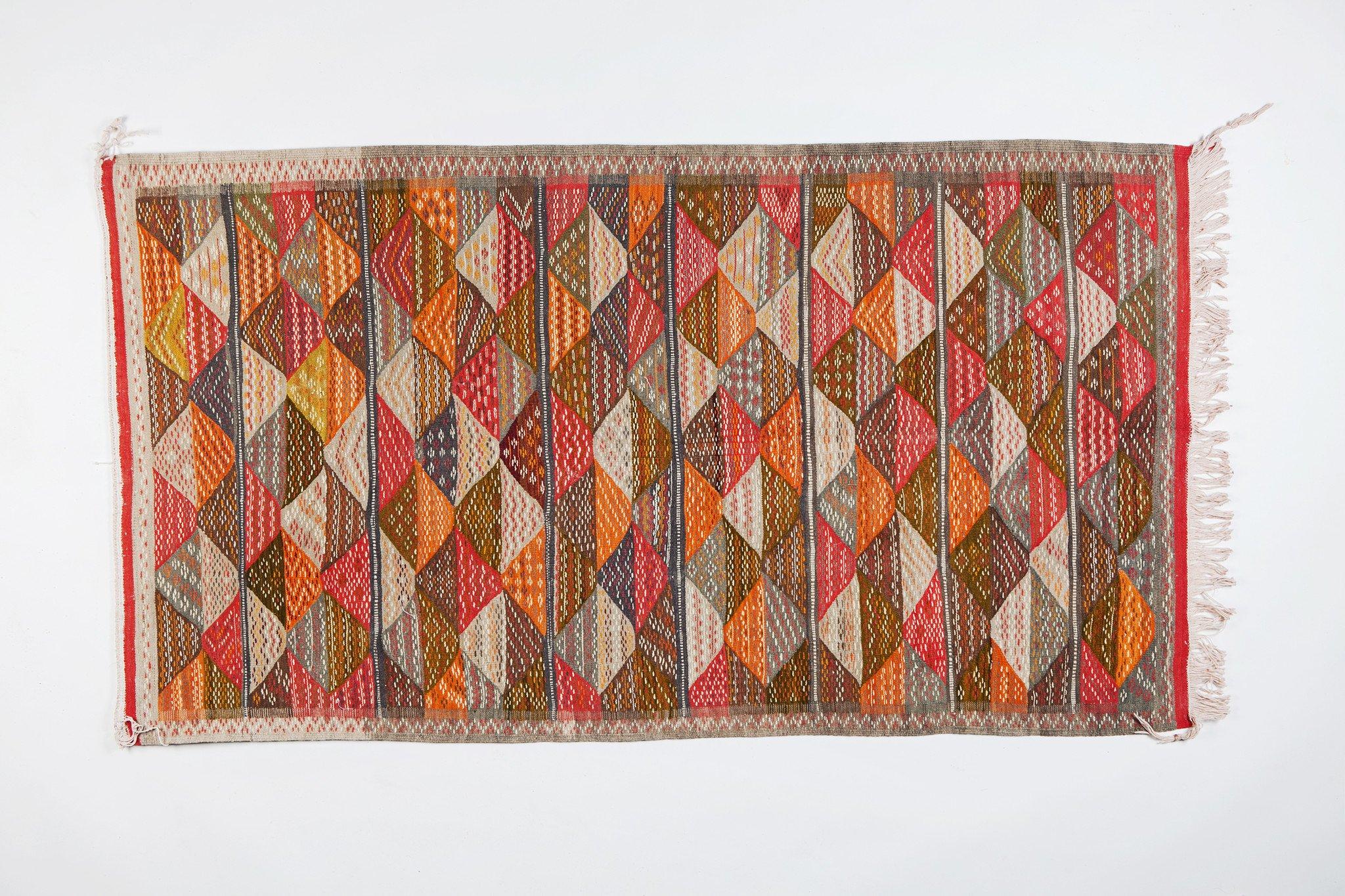 Berber Medium Rug - Triangle Patterns in Handwoven Wool & Organic Dye